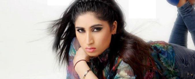 """Pakistan, la modella Qandeel strangolata dal fratello: sfidava le regole dell'Islam. Per la polizia è """"delitto d'onore"""""""