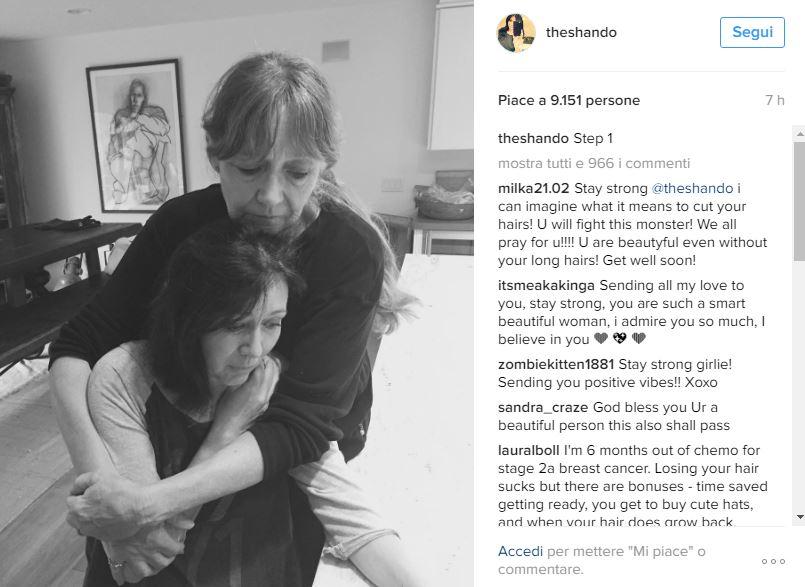 Brenda si rasa per la chemio: le lacrime su Instagram