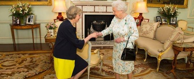 """Regno Unito, neo-premier Theresa May: """"Forgeremo un Paese giusto"""". Hammond ministro delle Finanze, Johnson agli Esteri"""