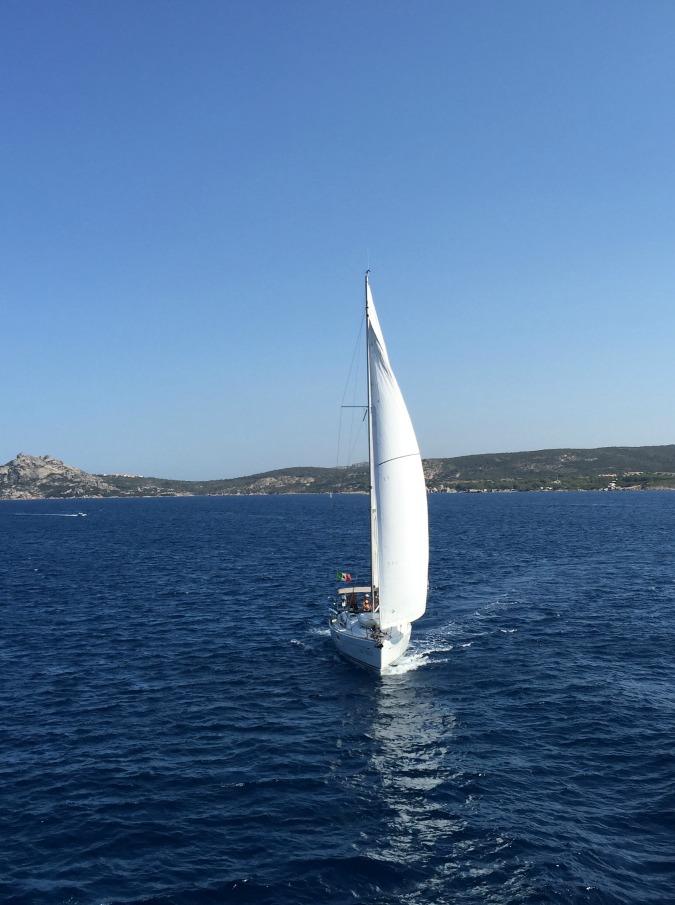 Vacanze in barca a vela, come nasce una passione: qualche dritta per il noleggio (con lo skipper)