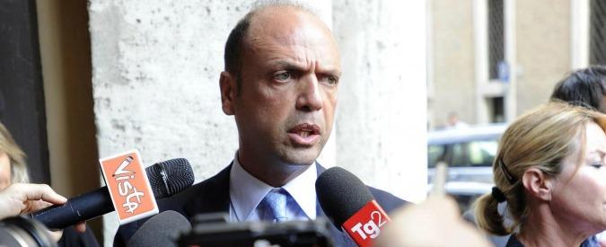Tortura, palazzo Madama sospende l'esame del reato: Alfano e forze di polizia gridano alla vittoria
