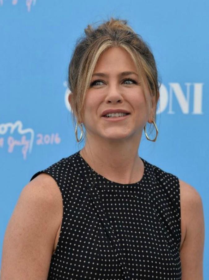 """Jennifer Aniston, ritratto di una star """"accessibile"""": """"Contro il sessisimo a Hollywood basta articoli solo su look e scarpe"""""""