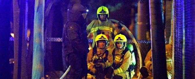 """Sydney, sfonda l'ingresso di una stazione di polizia con un auto piena di bombole a gas. """"Forse un attacco terroristico"""""""