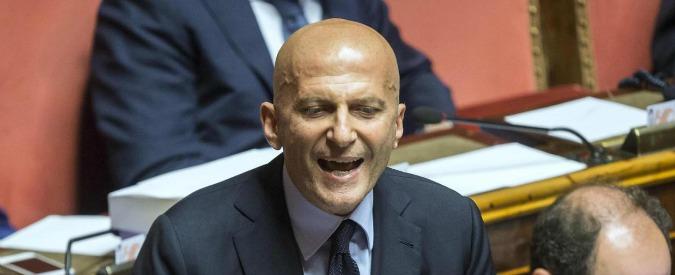 """Minzolini, Senato dice sì alle dimissioni: 142 sì, 105 no e 4 astenuti. Lui: """"Ringrazio il Pd per il 16 marzo, ha avuto coraggio"""""""