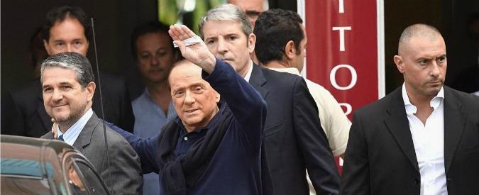 """Berlusconi dimesso dall'ospedale: """"Io leader? Spero non ce ne sia bisogno. Se ce ne fosse, spero di averne la forza"""""""