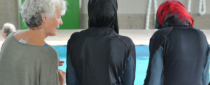 """Parma, direttore del centro islamico: """"Musulmane usino il burkini"""". Ucoii: """"Sia libera scelta"""""""