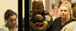 Usa, il lungo incubo di Dallas. La mattanza del veterano che odiava i poliziotti bianchi: l'ora per ora