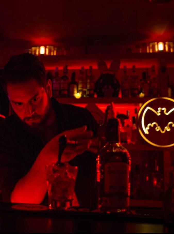 Drunkoressia, nuovo allarme dagli Usa: più di quattro bevute a sera e poi 'vomito autoindotto'