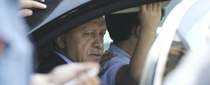 Turchia, Erdogan avvia l'anti-golpe contro giudici, militari e altri oppositori. Si aggrava la deriva antidemocratica