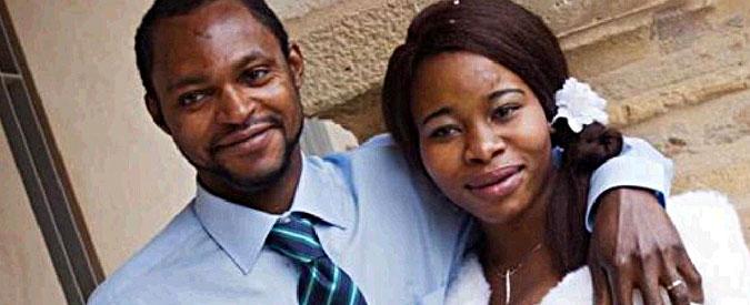 """Fermo, l'aggressore di Emmanuel accusato di omicidio preterintenzionale. La vedova: """"Voglio giustizia per mio marito"""""""
