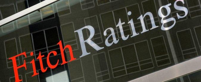 """Fitch: """"In Italia incertezza politica aumentata, sì alle riforme"""". E rivede al ribasso l'outlook"""