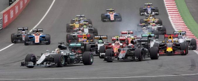 Gran Premio d'Austria, vince Hamilton davanti a Verstappen. Ancora uno scontro con Rosberg. Raikkonen terzo