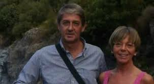 Marinella Ravotti, 55 anni, è ancora dispersa. Suo marito Andrea Avagnina, 53enne, è stato ritrovato: è ferito ed è ricoverato nell'ospedale di Pasteur di Nizza. I due vivono a S.Michele di Mondovì, provincia di Cuneo. Lei è dipendente della Asl, lui lavora come consigliere comunale. Erano a Nizza per vacanza