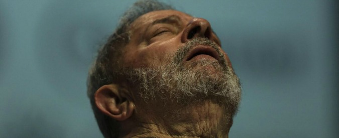 """Brasile, l'ex presidente Lula rinviato a giudizio: """"Ha ostruito le indagini sullo scandalo dei fondi neri al partito"""""""