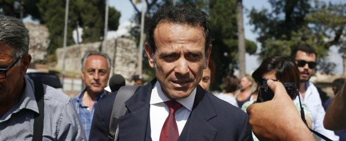 """M5s Roma, Pd contro assessore Minenna: """"Resta in Consob, incompatibile"""". Polemiche per incarico a moglie De Vito"""