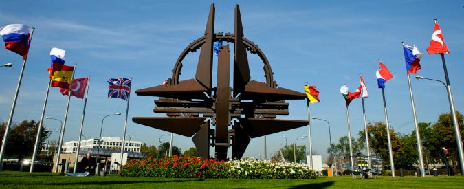 L'Europa del futuro deve liberarsi della Nato e del neoliberismo