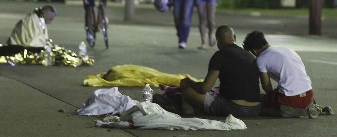 Attentato Nizza: terroristi, vi meritate tutto il nostro odio