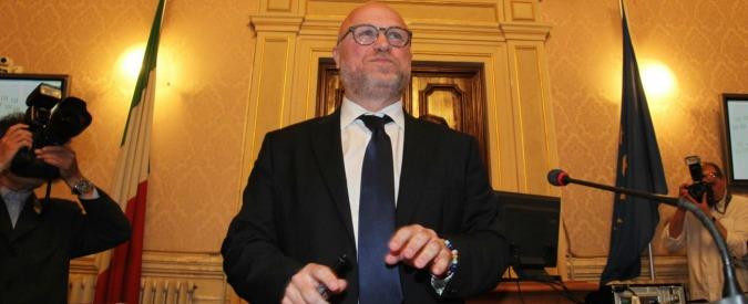 Livorno, dopo il rifiuto il sindaco Nogarin invia copia degli scontrini sulle note spese