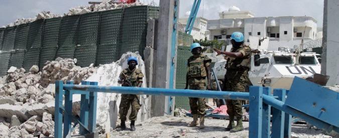 Somalia, duplice attentato a Mogadiscio provoca 13 morti. Colpita la sede di un'agenzia Onu. Al Shabaab rivendica
