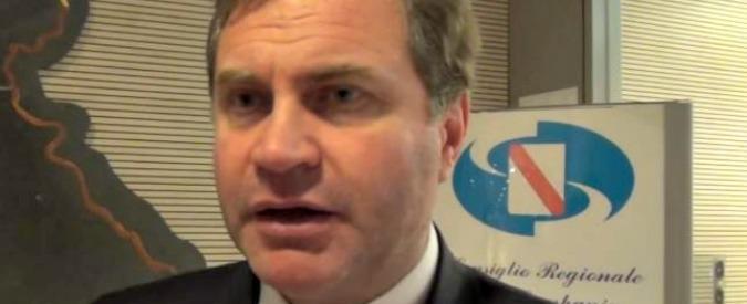 Stefano Graziano, per il consigliere Pd cade l'accusa di concorso in associazione mafiosa. Resta il voto di scambio