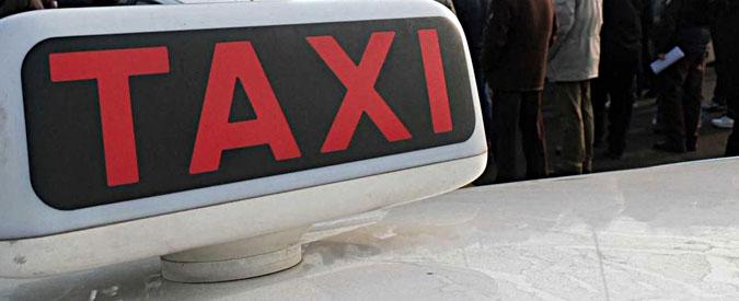 """Ferrara, tassista rifiuta corsa a 18enne nigeriana che si sente male: """"Il mio taxi non è una ambulanza"""""""
