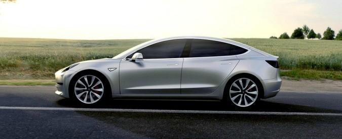 Tesla Model S, prima vittima. Ma non crocifiggete la guida autonoma