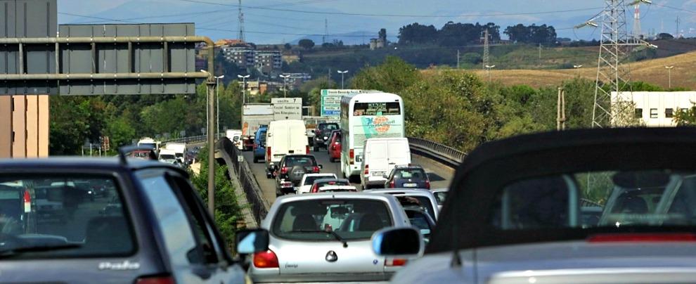 Vacanze, sempre più italiani scelgono l'auto a noleggio o condivisa