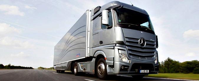 Concorrenza, multa di tre miliardi di euro al cartello dei costruttori di camion
