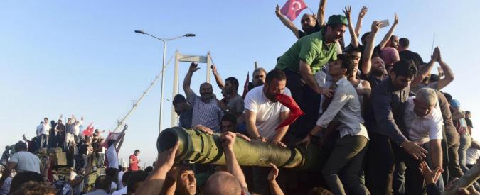 Turchia, le ragioni del tentativo di golpe: il malessere dell'esercito per la debole guerra a Isis. Nel silenzio della Nato