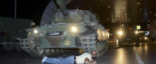 Colpo di Stato in Turchia, i civili contro i soldati. Le foto simbolo della resistenza