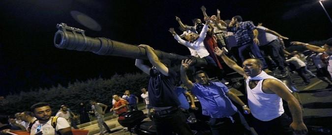 Il colpo di stato in Turchia e quella notte in diretta nell'incertezza