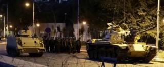 Colpo di Stato fallito in Turchia, i selfie degli oppositori davanti ai tank. Erdogan sarà più forte di prima