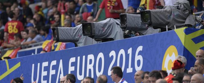 Calcio e tv, binomio vincente. Ma è il pallone a trarne più vantaggi