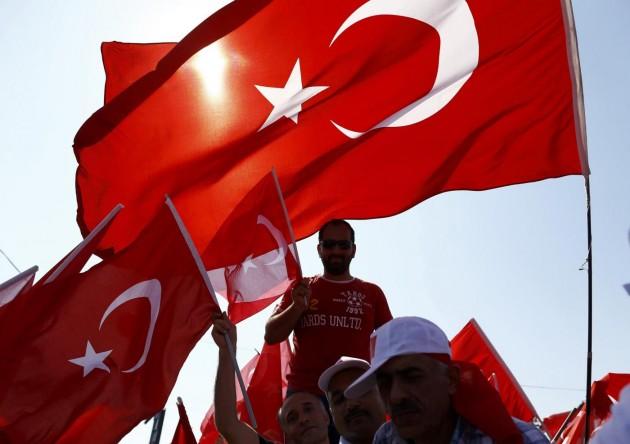 Turchia, manifestazione pro Erdogan a Istanbul