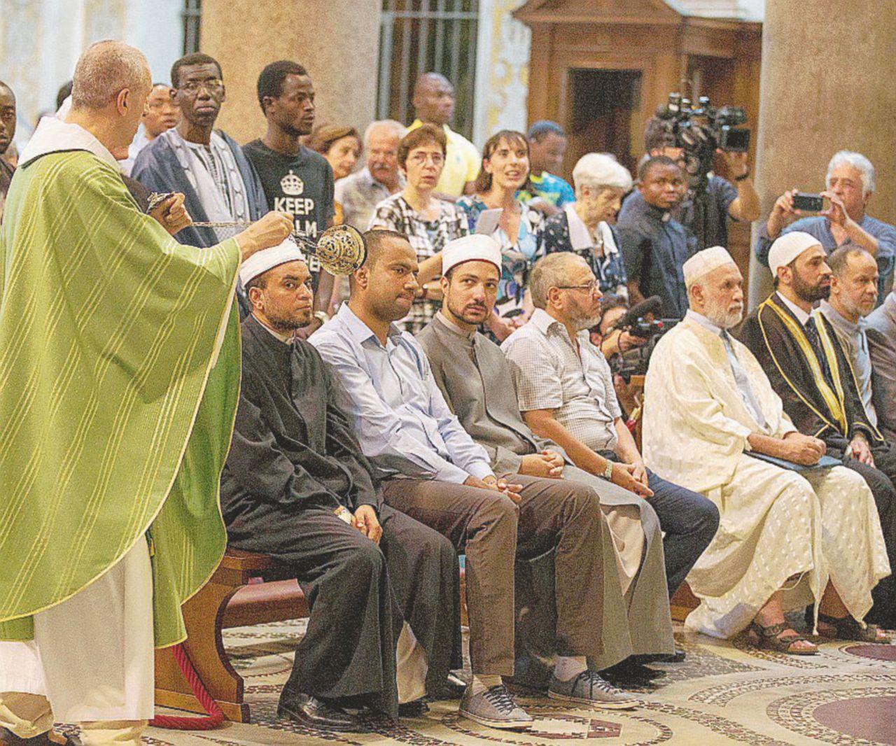 """""""Siamo qui contro la degenerazione del nostro Islam"""""""