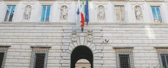 Diritto di informare, la sentenza del Consiglio di Stato: vietato fare inchieste sui contratti segreti
