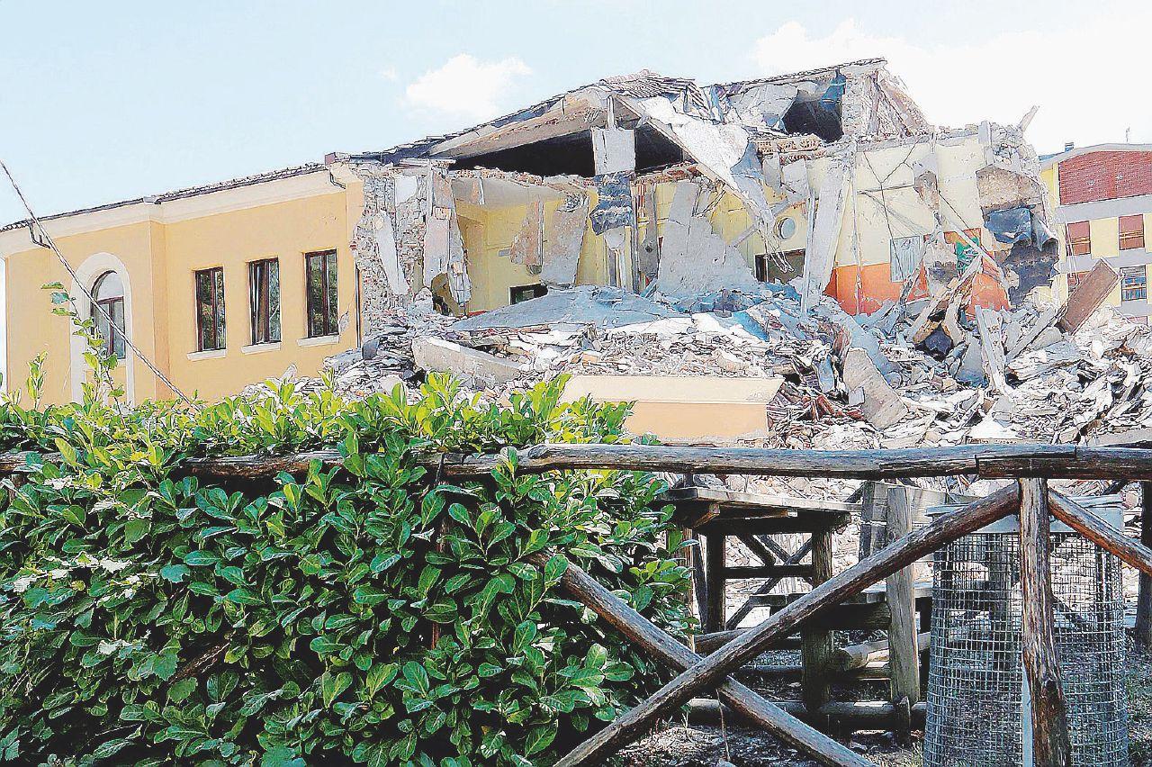 In Edicola sul Fatto Quotidiano del 28 agosto: Terremoto, sempre ritornano: i mafiosi e l'arrestato a L'Aquila