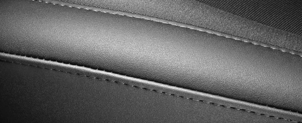 Sedili auto, c'è vita oltre la pelle? I nuovi tessuti si fanno strada – FOTO
