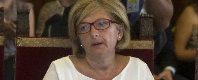 """Roma, """"prorogata indagine su Muraro"""". L'avvocato: """"Nessuna notifica, è fango mediatico"""""""