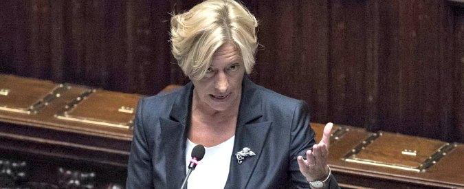 """Libia, Pinotti: """"Concederemo basi e spazio aereo agli Stati Uniti se ce li chiederanno"""""""