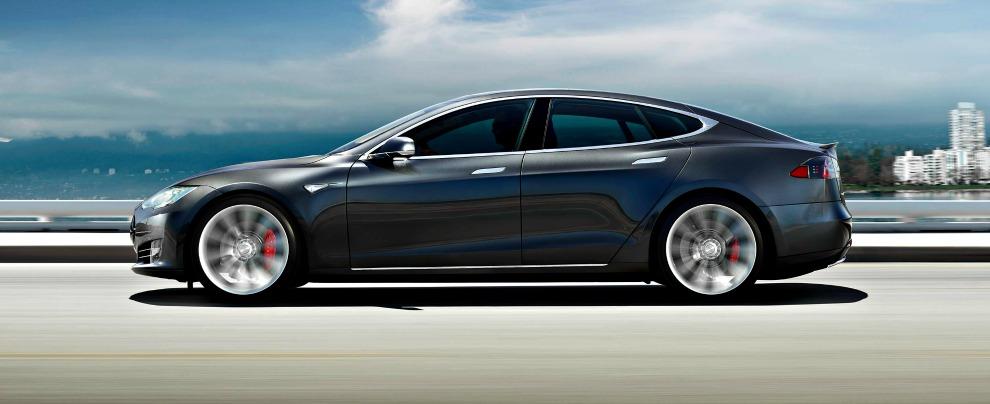 Tesla Model S, altro incidente in Cina con la modalità Autopilot inserita – VIDEO