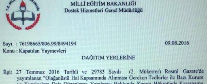 """Turchia, ministero Istruzione alle scuole: """"Distruggere libri legati a Gulen"""", colpite 29 case editrici. Chiuso un altro giornale"""