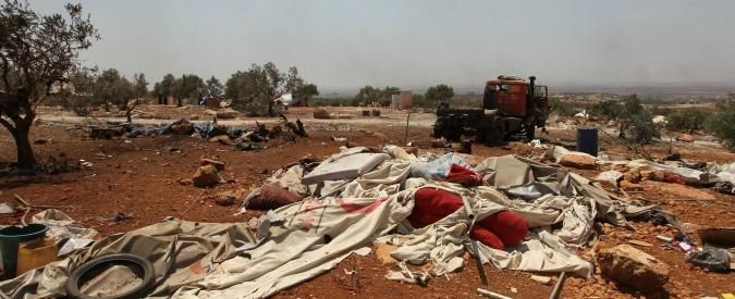 """Aleppo, ribelli accusano Assad: """"Gas cloro sui civili. Donna muore soffocata con i due figli"""". Onu apre un'indagine"""