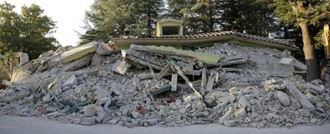 Terremoto, trovare possibili soluzioni è compito della politica (cioè nostro)