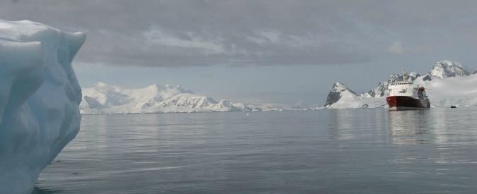 """Alaska, al via prima crociera attraverso la calotta polare. Wwf: """"É un precedente pericoloso, ecosistema a rischio"""""""