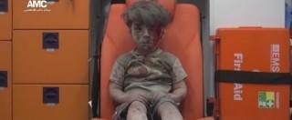 """Siria, chi ha colpito la casa del piccolo Omran? Ministero Difesa russo: """"Noi non bombardiamo civili"""""""