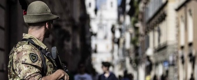 """Terrorismo, Alfano: """"Espulsi due tunisini vicini a gruppi jihadisti"""""""