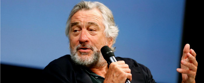 """Elezioni Usa, Robert De Niro contro Trump: """"È completamente fuori di testa"""""""