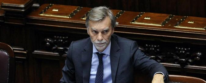 """Treni, Delrio dopo incidente Puglia aveva promesso 1,8 miliardi. Ora annuncia: """"Per la sicurezza in arrivo 300 milioni"""""""