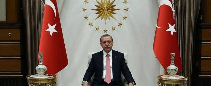 Turchia, dopo gli ultimi arresti ormai è certo: Erdogan è una minaccia per la pace